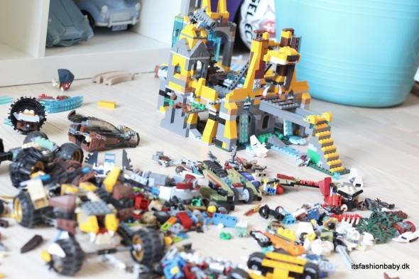 man kan købe ekstra klodser løsdele og reservedele til LEGO billigt på nettet