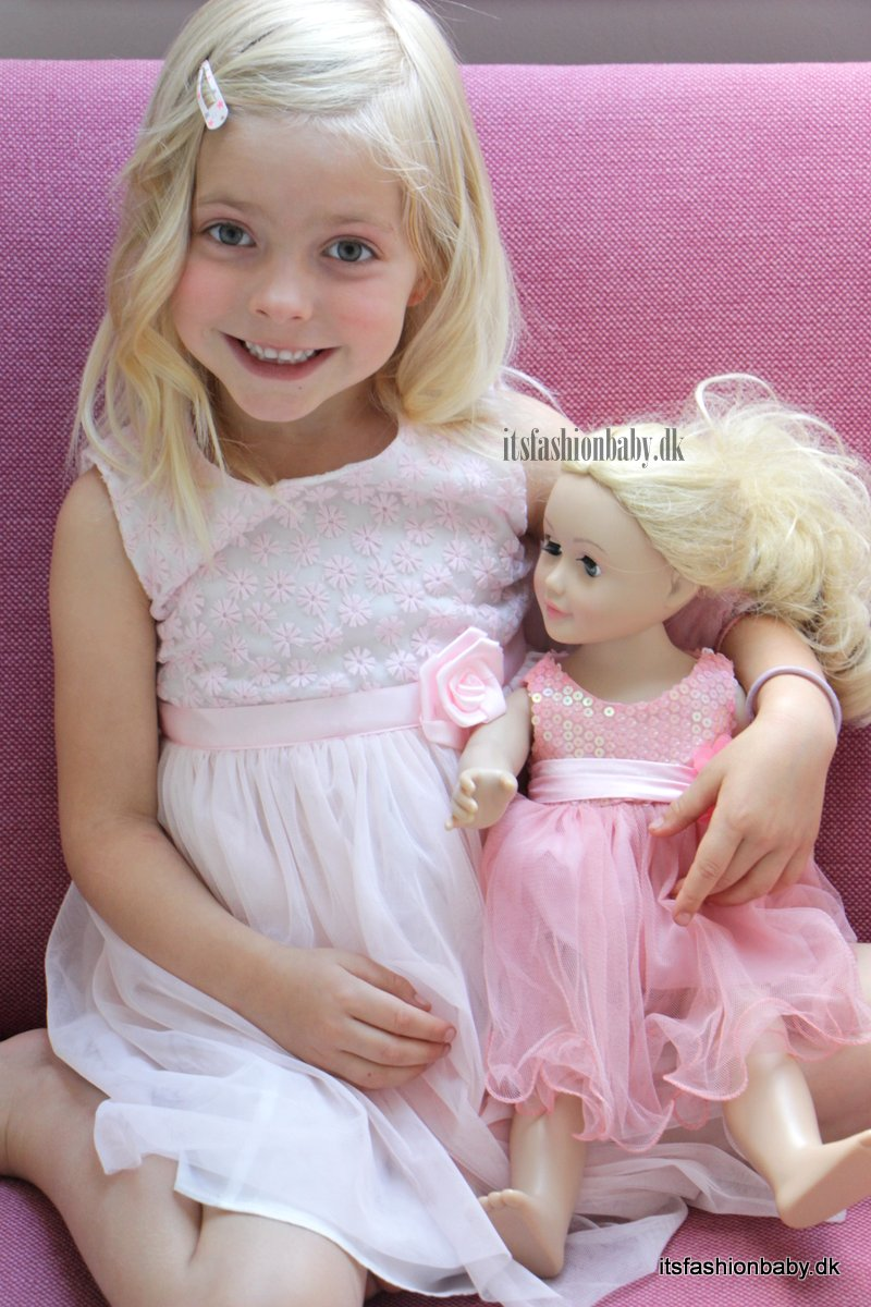 Miss Mini Me Dukke til børn