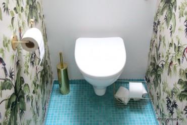 Messingdetaljer fra vores tropiske toilet