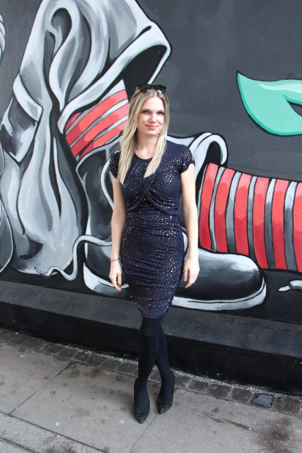 Stine Goya Blush kjole på tilbud med rabat