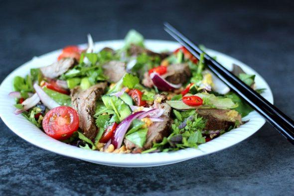 opskrift Spicy beef salad