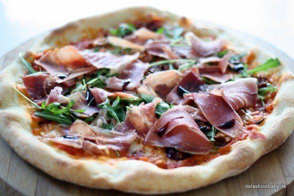 God opskrift på pizza - opskrift på verdens bedste pizza både pizzadej og pizzasauce