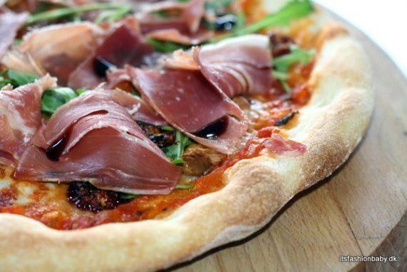 God opskrift på tomatsauce - eller tomatsov til pizza