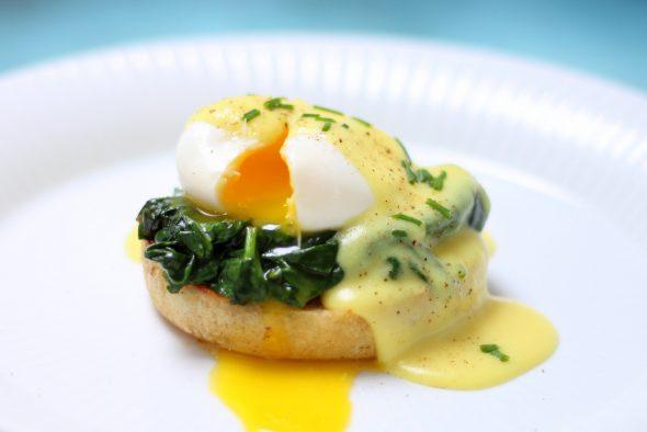 God opskrift på Egg Benedict og Egg Florentine