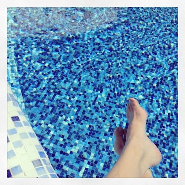27 grader ved poolen.