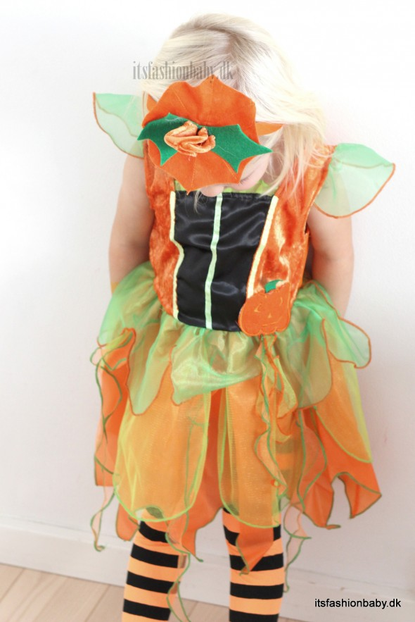 Flotte og billige halloweenkostumer kostumer og udklædning til halloween til børn som fx græskarfe skelet og prinsesse.