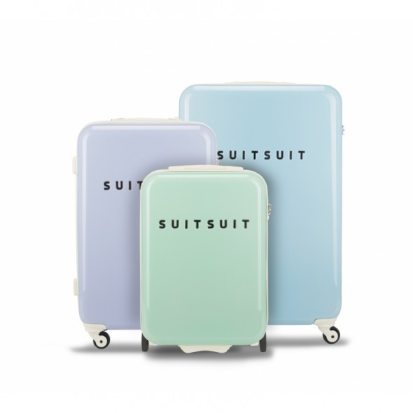 suitsuitsuitcase