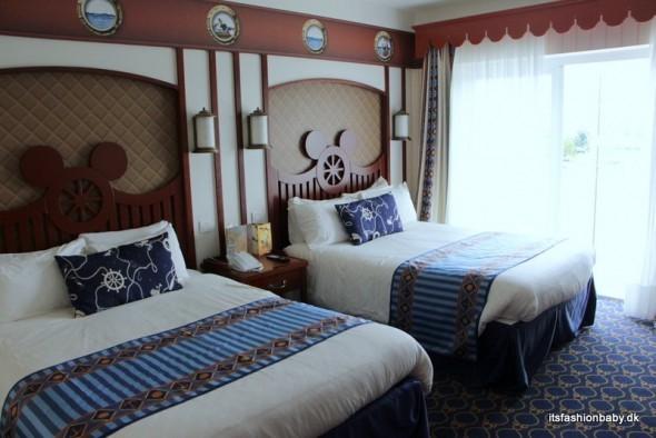 Compass Club Newport Bay Club hotel Disneyland Paris