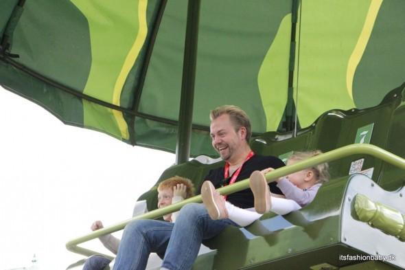 Toysoldiers Parachute Drop Disneyland Paris