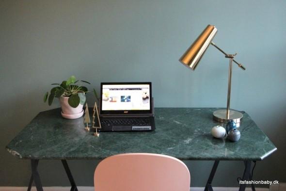 Billigt skrivebord i grøn marmor - marmorskrivebord