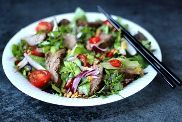 opskrift spicy thai salad