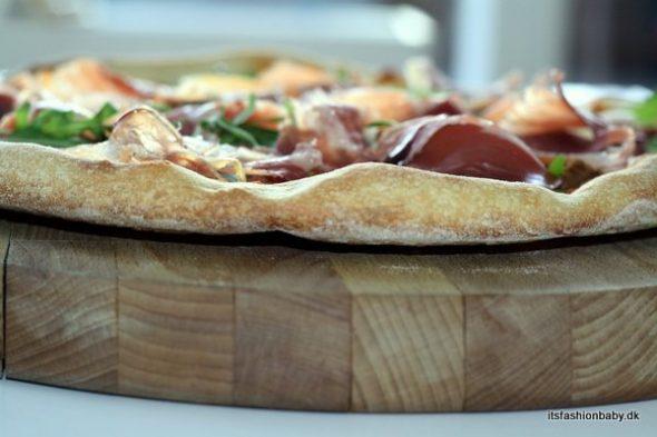 God opskrift på pizzadej - giver en meget sprød pizzabund