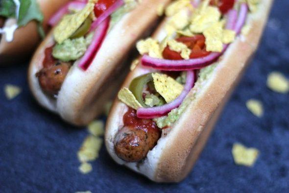 Hjemmelavede hotdogs med lækkert fyld
