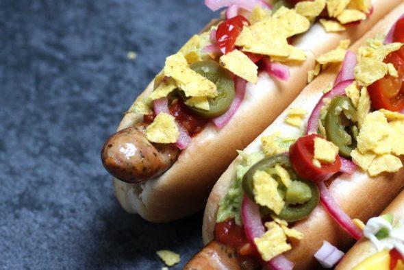 Opskrift på hotdogs med salsa i mexikansk stil